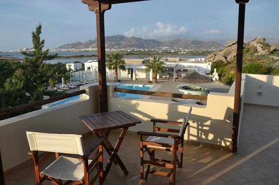 Kedros Villas: Vista dalla terrazza al primo piano