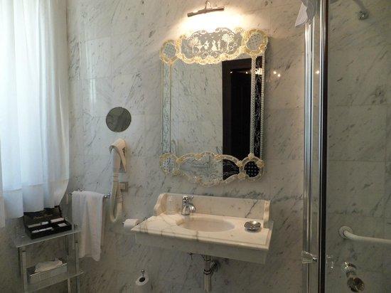 Palazzo Paruta: バスルーム