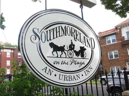 Southmoreland on the Plaza: Sign