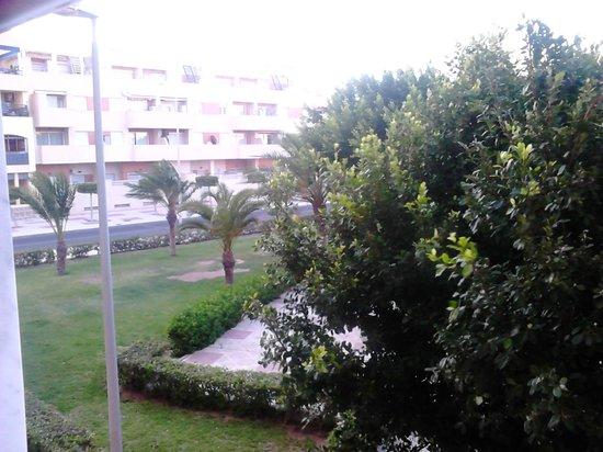 Apartamentos Maracay: Parque ubicado frente a las habitaciones que dan a levante