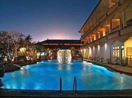 Febri's Hotel & Spa : Exterior