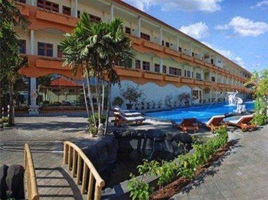 Febri's Hotel & Spa : Exterior View