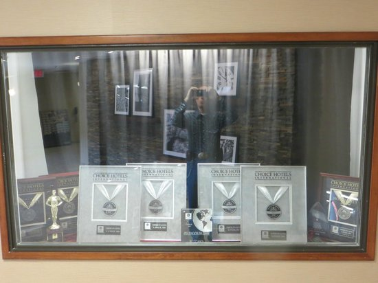 Comfort Inn & Suites: Awards.