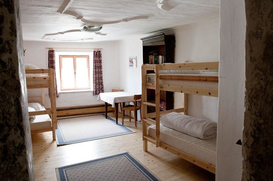 Romedihof Backpacker Hostel: 4 Bettzimmer