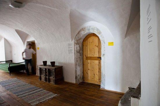 Romedihof Backpacker Hostel: Hausgang