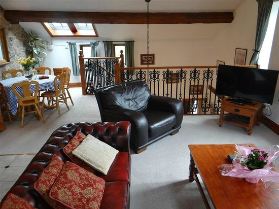 Rainow, UK: Croft Cottage - Lounge and Dining Room