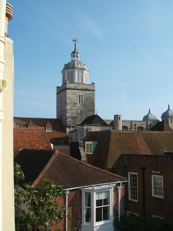 Lombard House Bed & Breakfast: View of Portsmouth Cathedral from bedroom window.
