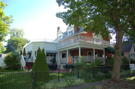 Greenbriar Inn: WONDERFUL OLD WORLD CHARM
