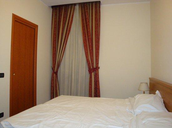 Hotel Stromboli: za zamnkniętymi drzwiami łazienka