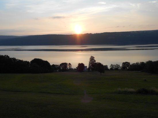 جلين موتور إن: Georgous sunsets