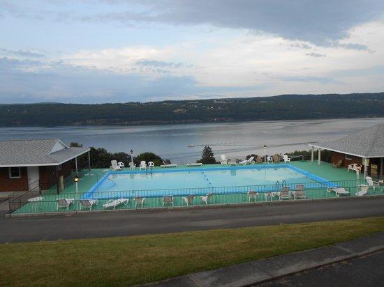 Glen Motor Inn: Enjoyed the pool on a hot day