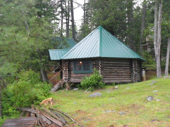 Gorman Chairback Lodge and Cabins: a unique log cabin