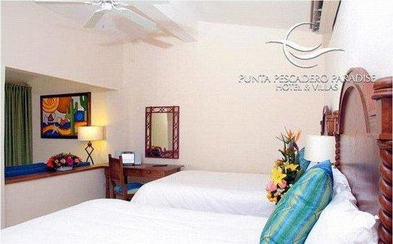 Punta Pescadero Paradise Hotel & Villas: Guest room