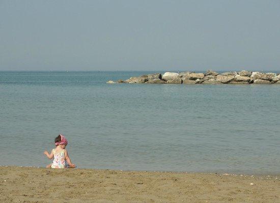 Camping Villaggio Calypso: La spiaggia e la mia Cristina.