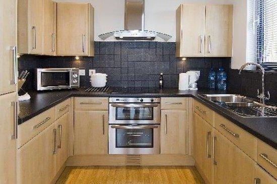 Cheltenham Luxury Apartments: Kitchen