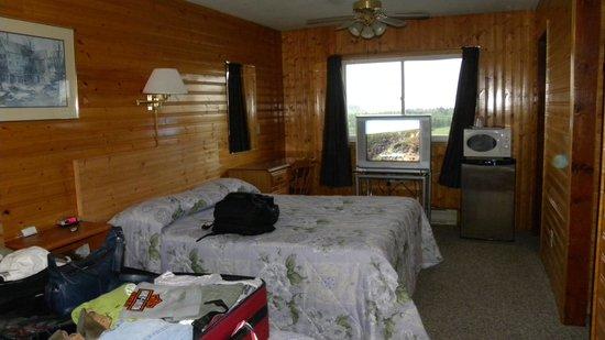 Hillcrest Motel: Inside