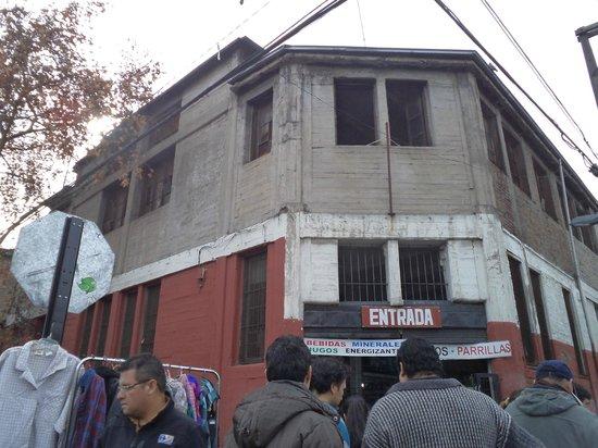 Bio-Bio Market : Santiago de Chile. Persa Bío-Bío.  Galpones calle Placer con Víctor Manuel.