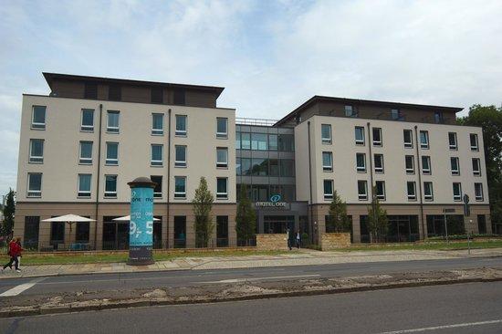 Motel One Dresden-Palaisplatz: modernes Gebäude
