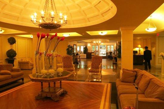 Grand Hotel Toronto: entrance