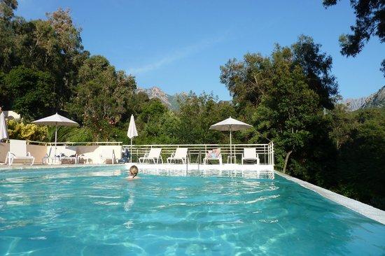 Hotel et Residence Costa Rossa: Pool