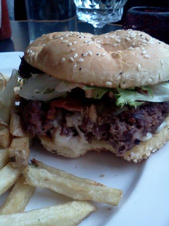 Olive Bistro and Lounge: Bison burger. Get one!