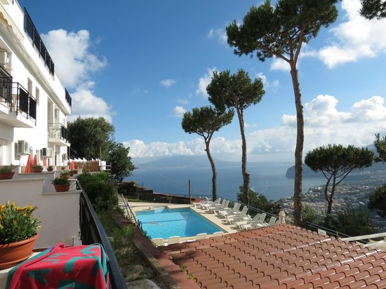 Hotel Villa Fiorita: Vue coté mer