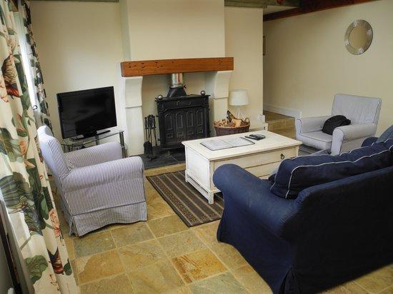 Flear Farm Cottages: Linhay Lodge lounge