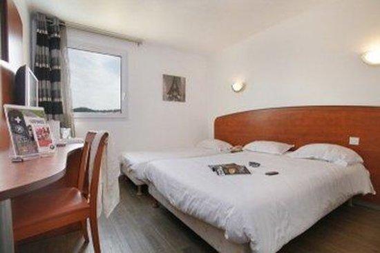 Kyriad Brignoles Centre Var: Guest Room