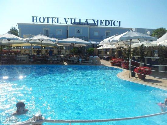 Hotel Villa Medici: La Piscina