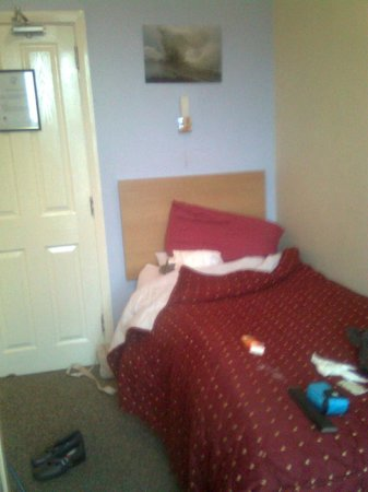 Llwynygog Guest House : Inside the single bedroom.