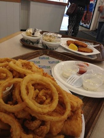 Seafood Sam's: good fried food