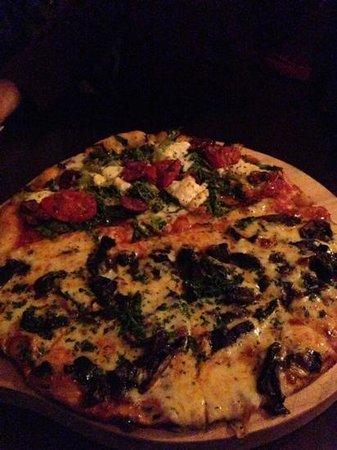Prego Restaurant : veg and fungi pizza half and half
