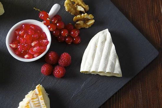 La Fromagerie &. Rouge