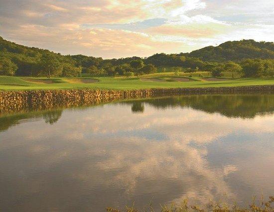 Reserva Conchal Beach Resort, Golf & Spa: Golf Sunset