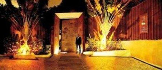Santa Teresa Hotel RJ MGallery By Sofitel: Hotel Main Entrance