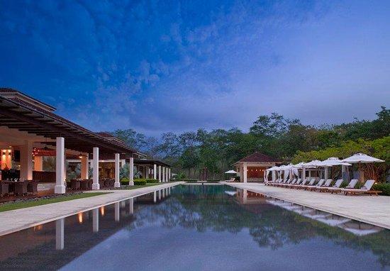 Reserva Conchal Beach Resort, Golf & Spa: Private Beach Club