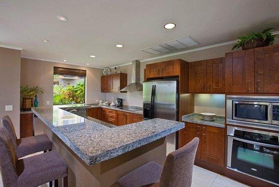 Reserva Conchal Beach Resort, Golf & Spa : Private Villa Kitchen