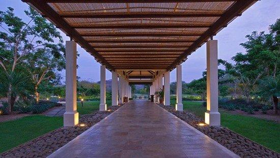 Reserva Conchal Beach Resort, Golf & Spa : Beach Club Main Entrance