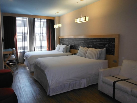 TRYP by Wyndham Times Square South: 2 queens and sleeper sofa.