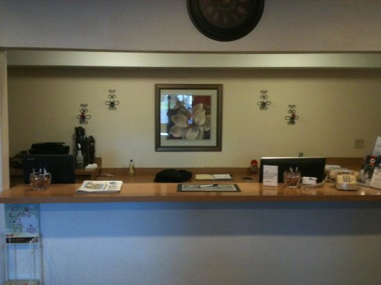 Elko NV Travelodge: Front Desk