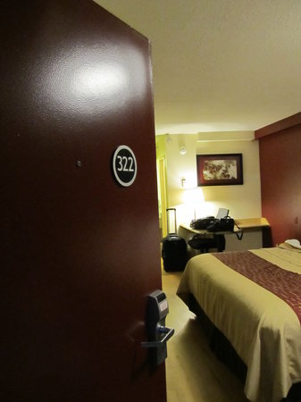 Red Roof Inn Allentown Airport: A nice room
