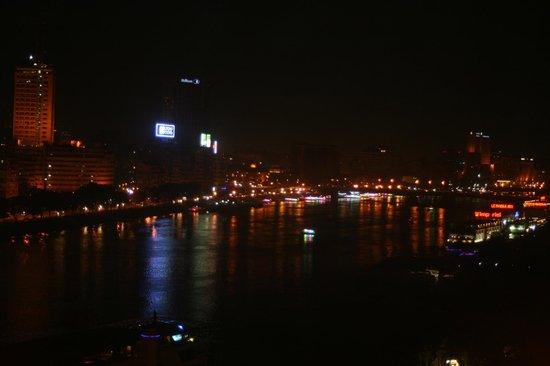 Cairo Marriott Hotel & Omar Khayyam Casino: Nile view at night from Room Balcony