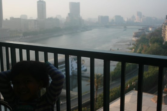 Cairo Marriott Hotel & Omar Khayyam Casino: Nile view from Room Balcony
