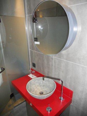 Hotel The Designers Samseong: bathroom