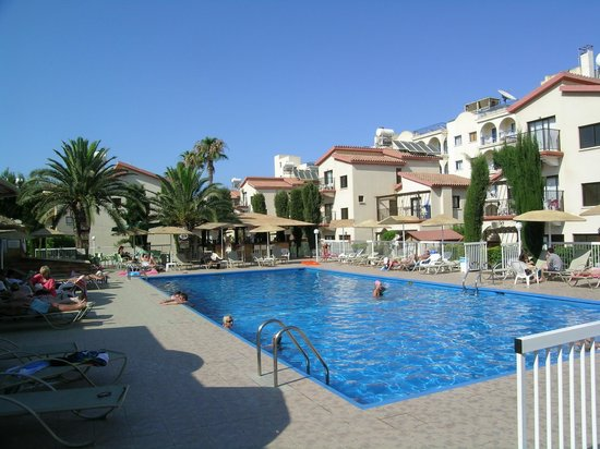 Windmills Hotel Apartments: Pool