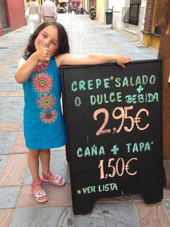 Crepes'n Tapas Bar : Add a caption