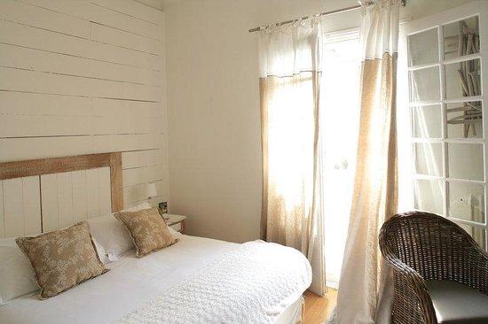 Villa Regalido : STANDARD ROOM