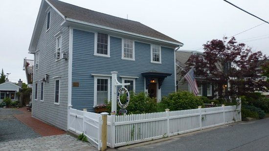 Revere Guest House: walking distance to main st