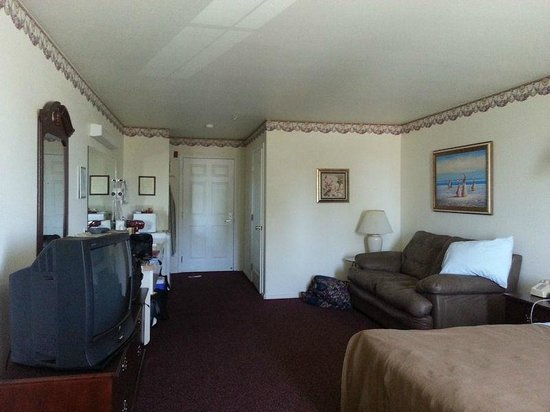 Lighthouse Inn: Room 323