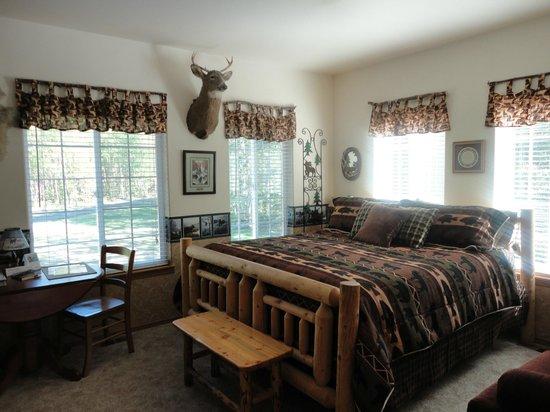 Alaska's Harvest B&B: One of the rooms
